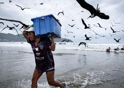 Fishermen-in-ecuador