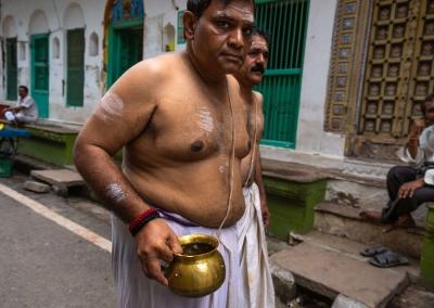 Varanasi-holy-men