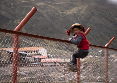 Kid-at Lares-peru