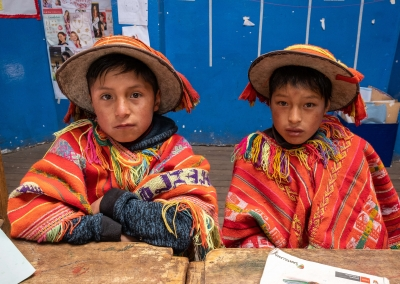 Kids-in-lares-at-school