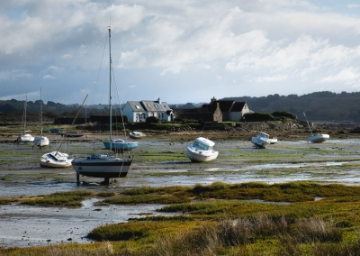 low-tide-village-french-brittany