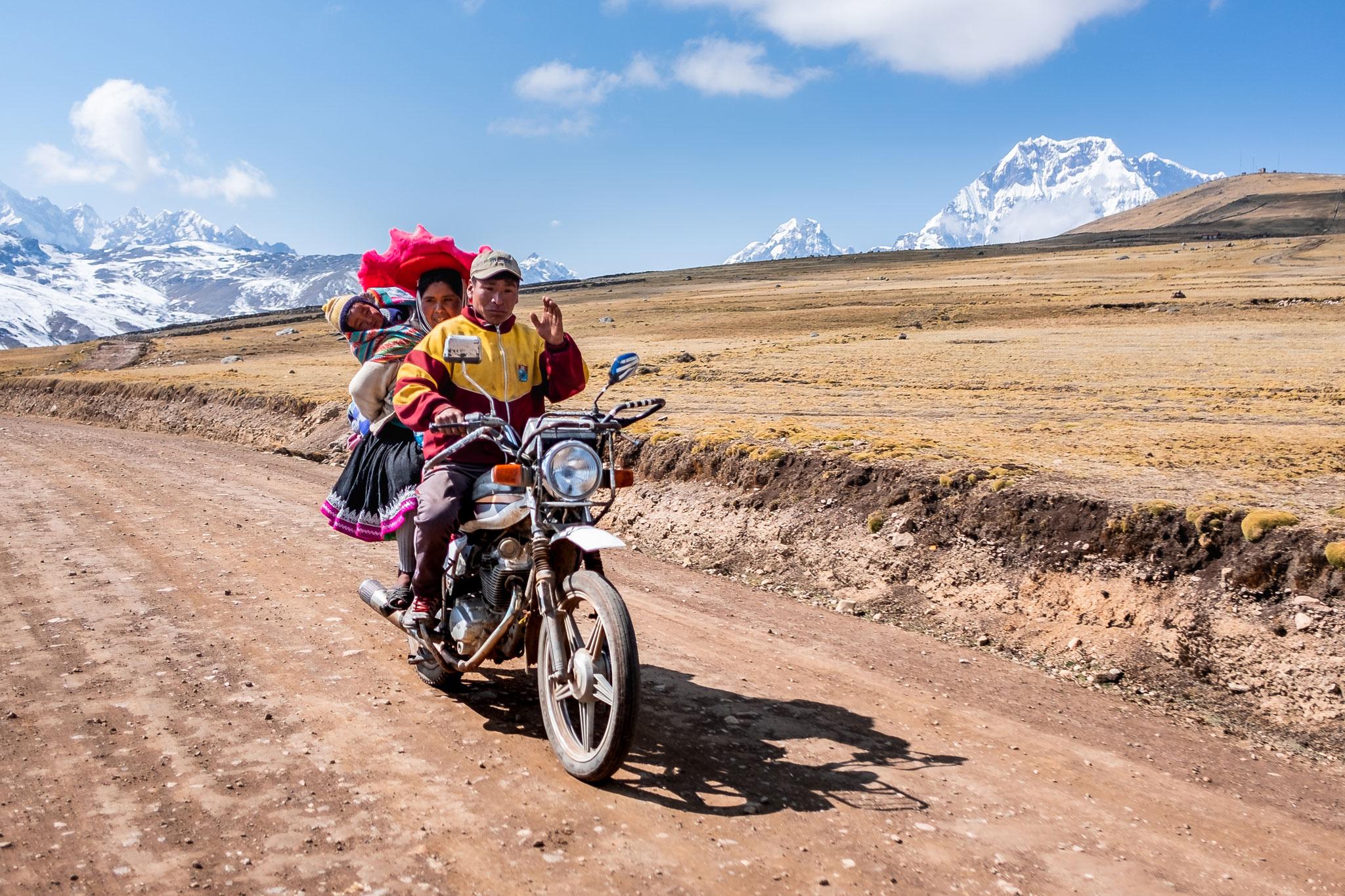 QUECHUA FAMILY ON A MOTORBIKE - AUSANGATE REGION - PERU