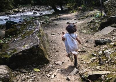 kogi-kid-running-sierra-nevada-de-santa-marta