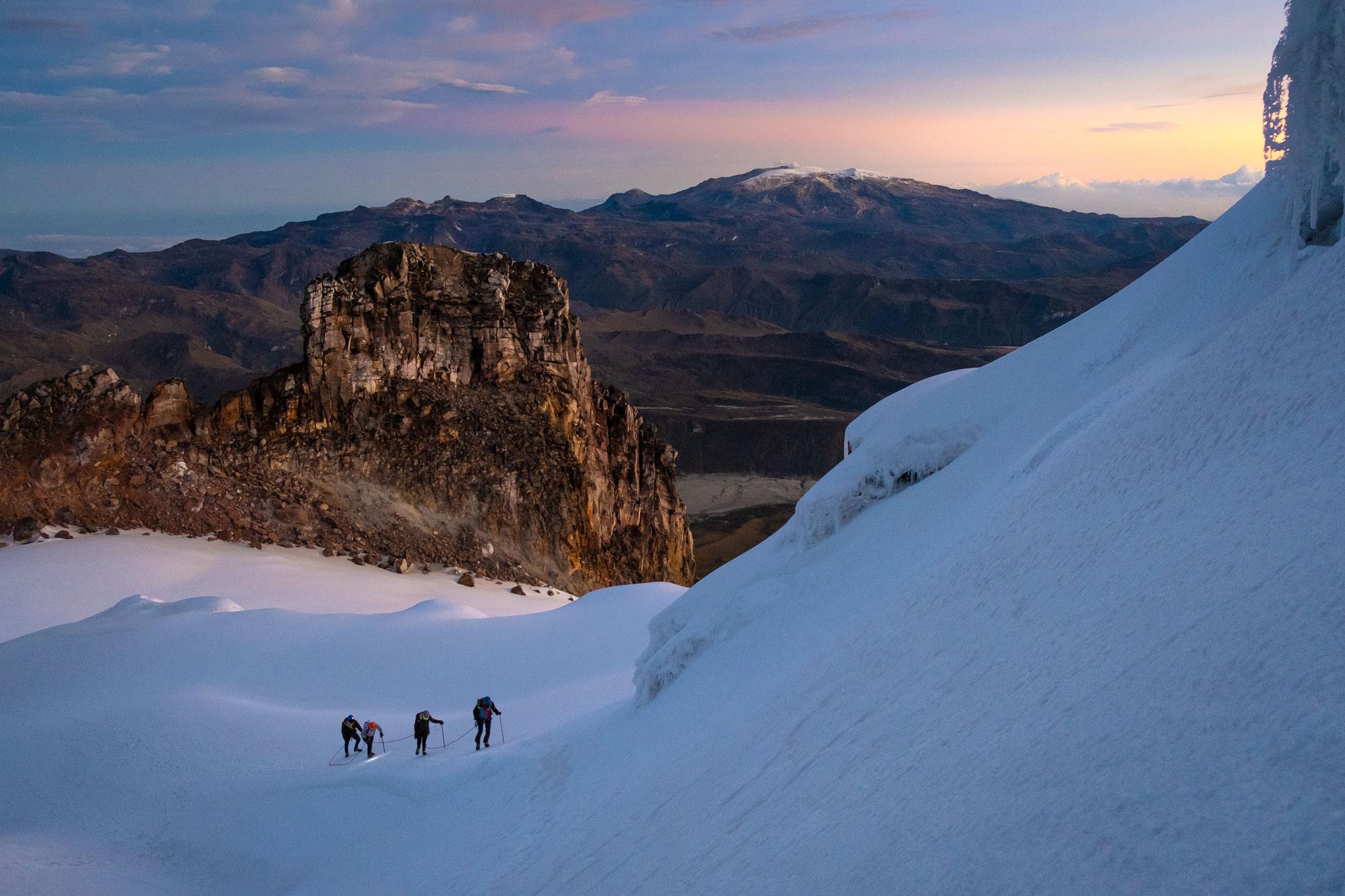 climbing-volcano-tolima-parque-los-nevados
