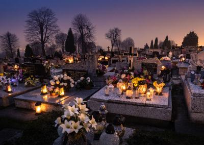 cementary-poland-candles