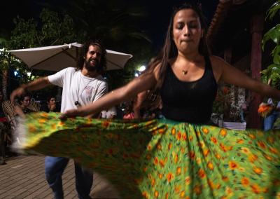 dancers-cumbia-colombia-mompox