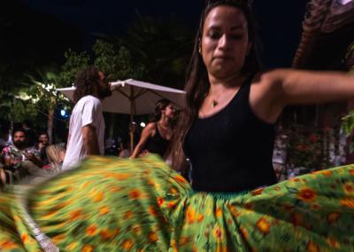 dancing-cumbia-mompox-colombia