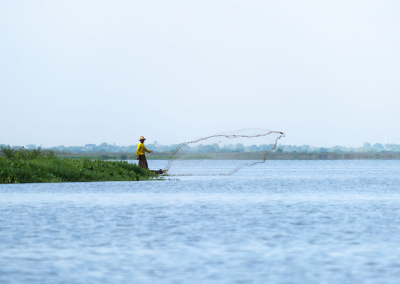 fisherman-mompox-colombia