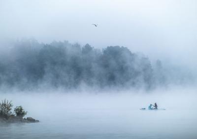paddle-lake-zywiec-fog