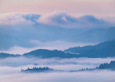 sunrise-above-the-clouds-pieniny-2