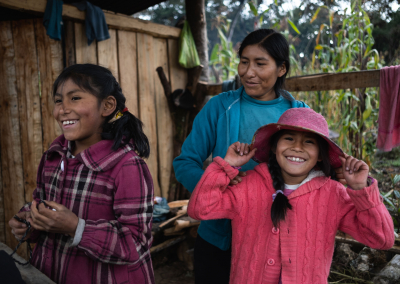 amazing-quechua-family-peru