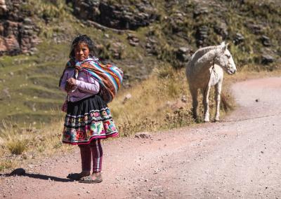ausangate-girl-with-horse-peru