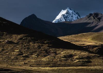dramatic-light-ausangate-landscape-peru