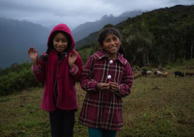 happy-sisters-peru-llaqtapata