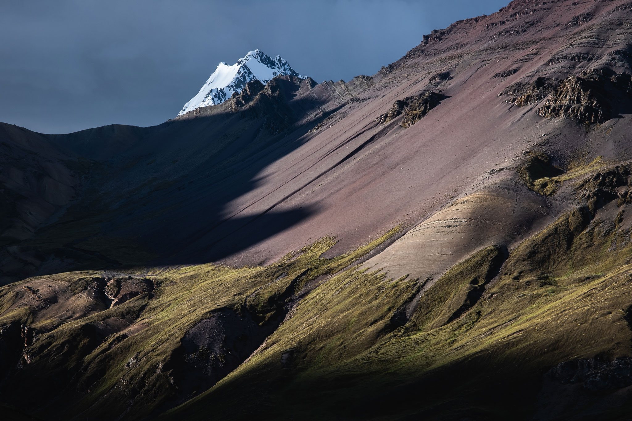 landscape-dramatic-light-ausangate-peru
