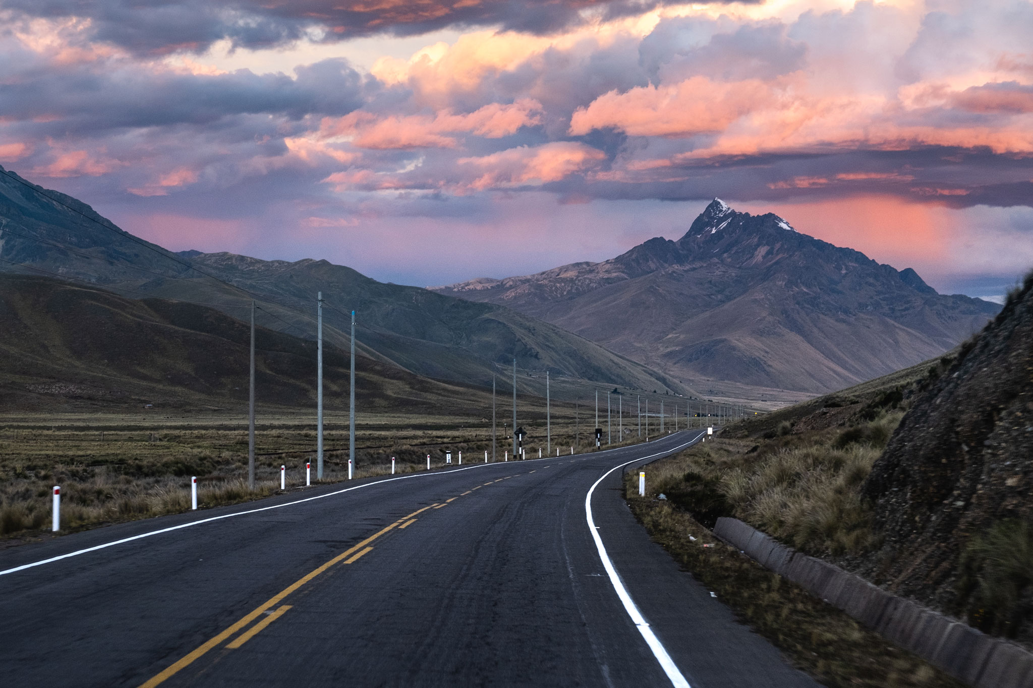 peruvian-roads-in-the-andes