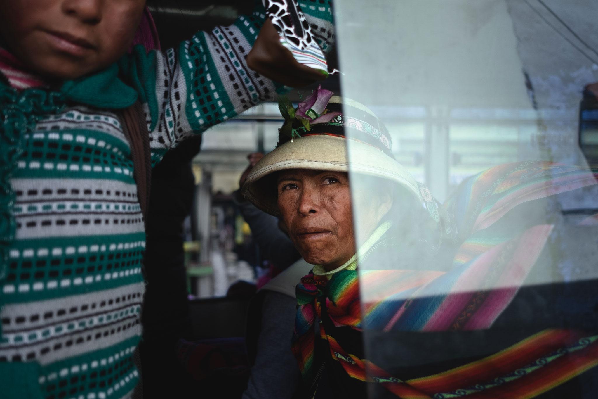 quechua-woman-bus-cusco