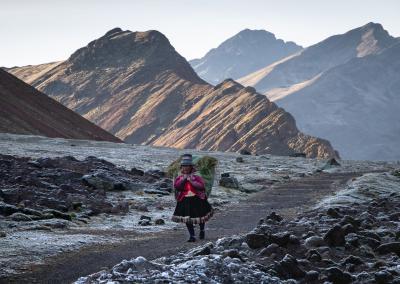 quechua-woman-peru-ausangate