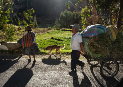 street-life-peruvian-andes