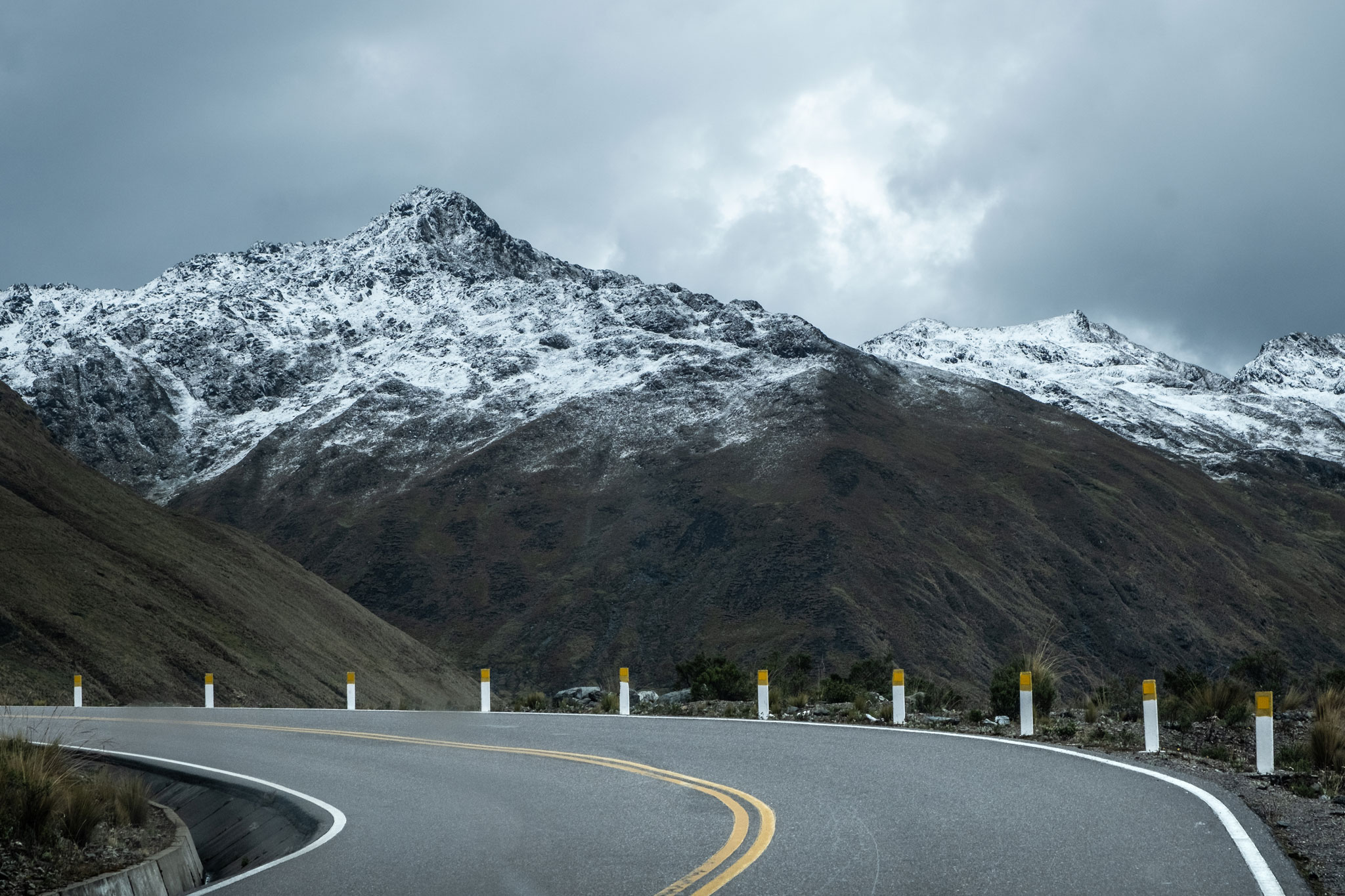 driving-in-the-andes-abra-malaga