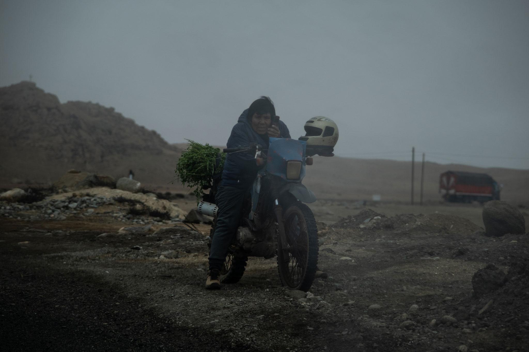 motorbike-rider-panamericana-peru